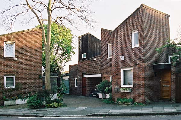 Some Modern Houses In The London Borough Of Camden Hampstead