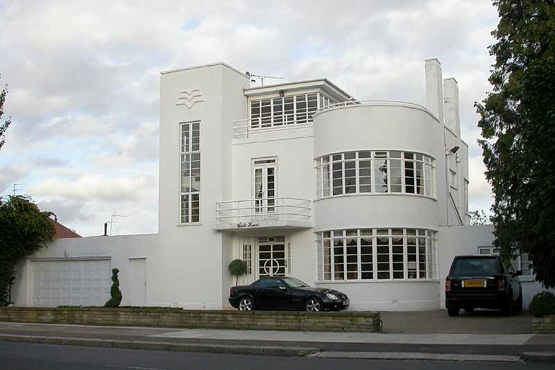 Modern Houses In The London Borough Of Barnet